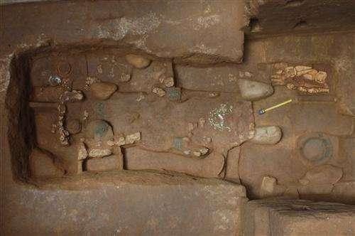 Guatemala excavates early Mayan ruler's tomb