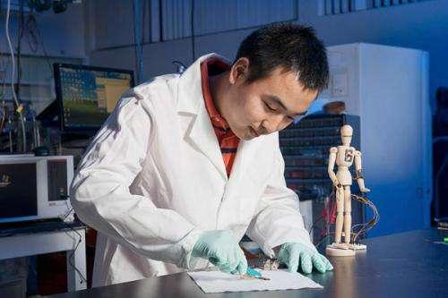 Touch-sensitive plastic skin heals itself