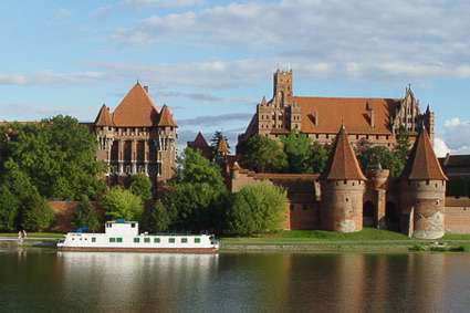 Researchers find clues to the Baltic Crusades in animal bones, horses and the extinct aurochs