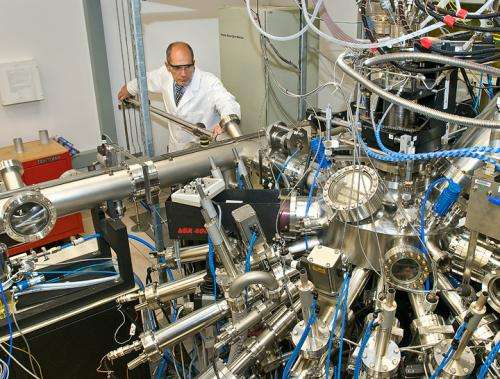 Scientists Chart the Emergence of High-Temperature Superconductivity