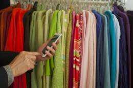 Challenges and opportunities of omni-channel retailing