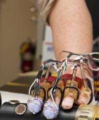 Mending the brain with a mechanical glove