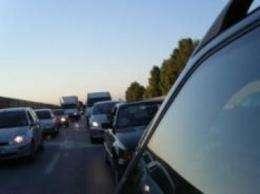 The psychology of the left-turn lane: How human behavior influences traffic patterns