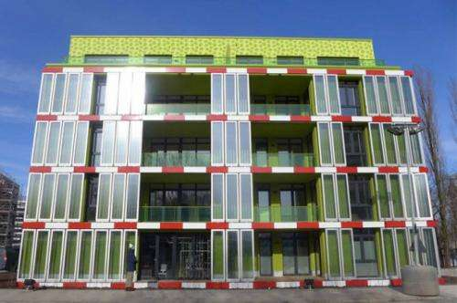 First algae powered building goes up in Hamburg