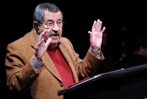 Nobel prize-winning author Gunter Grass reads his book of poems in Goettingen, on October 19, 2012