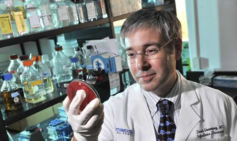 UT Southwestern reports promising new approach to drug-resistant infections