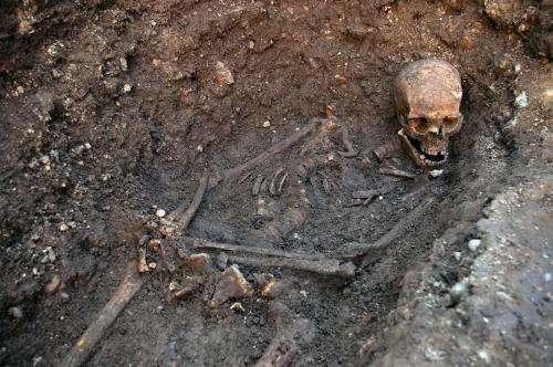 King Richard III found in 'untidy lozenge-shaped grave'