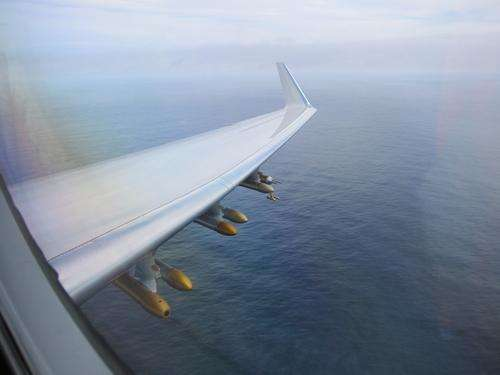 CIRES-led study discovers high levels of air-cleansing compound over ocean