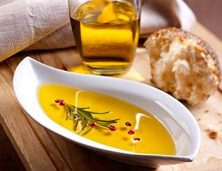 Consumers like olive oil for health and flavor but need more facts, survey finds