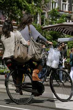 Crash data shows cyclists with no helmets more likely to ride drunk