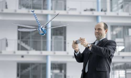 Festo builds BionicOpter—fully functional robot dragonfly (w/ Video)