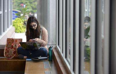 Frequent cell phone use linked to anxiety, lower grades and reduced happiness in students