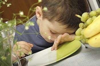 Good eating and sleep habits help kids succeed in school
