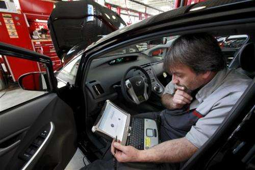 Hackers find weaknesses in car computer systems