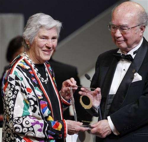 Janet Rowley, cancer genetics pioneer, dies at 88
