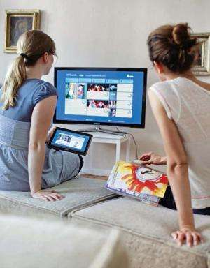 Live streaming enjoyment for multi-screen applications