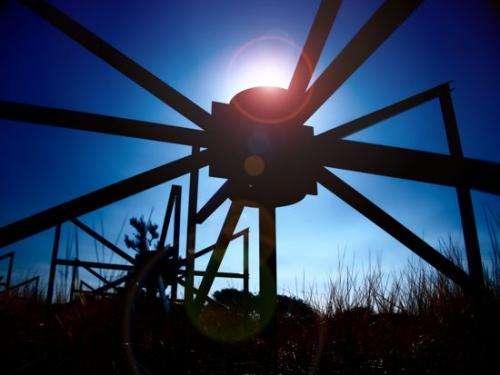 Murchison Widefield Array: Square Kilometre Array precursor debuts