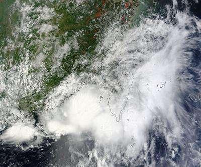 NASA's 2 views of Tropical Storm Cimaron making landfall in China