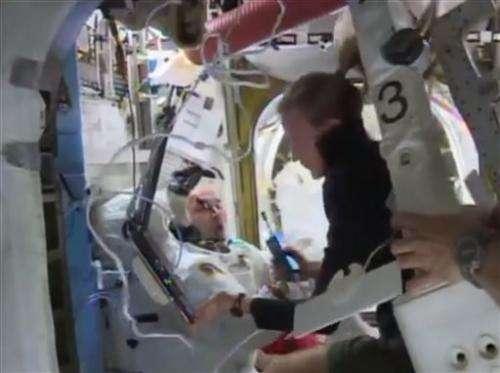 NASA still perplexed by astronaut's flooded helmet