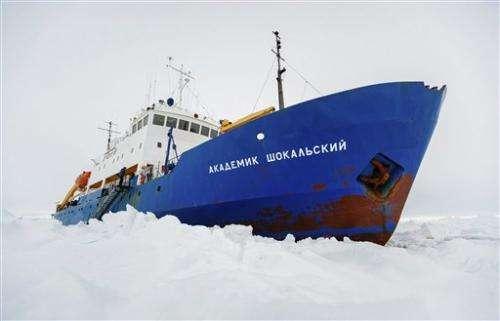 Rescue of icebound Antarctic ship faces setback