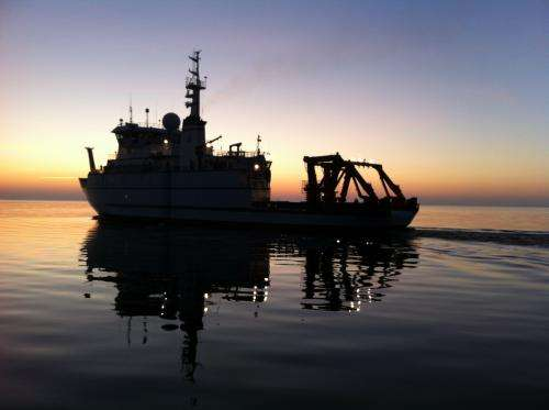 R/V Sikuliaq to winter in Great Lakes, test 'hybrid' underwater vehicle