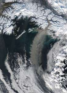 What dust may have to do with Earth's rapidly warming poles