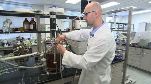 Chemists develop new process for producing cleaner, cheaper diesel fuel