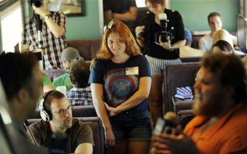 Fans hop aboard exclusive train to Comic-Con