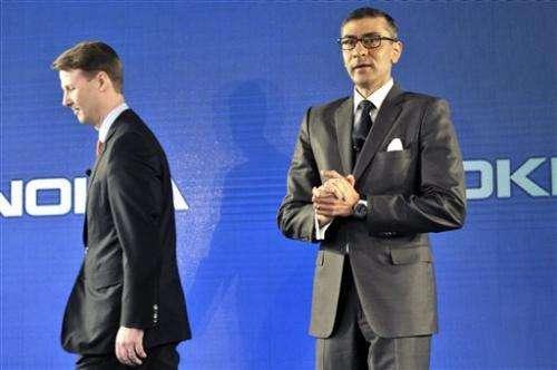 Nokia eyes turnaround with new CEO, dividend (Update)