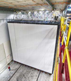 Fermilab's 500-mile neutrino experiment up and running