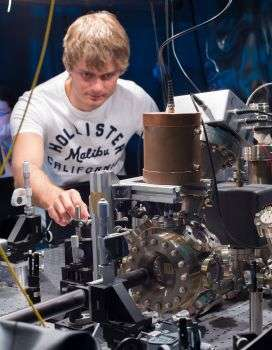 Physicists create lightning in the race to develop quantum technology microchip