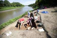 Researchers search for evidence of earliest inhabitants of Central Great Plains