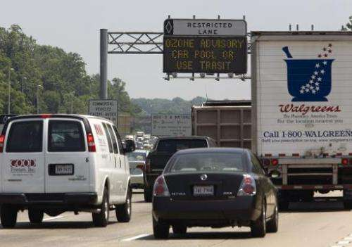 Commuters drive on Interstate 66 in Fairfax, Virginia, during an ozone alert, on May 31, 2007