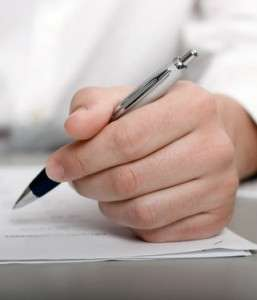 Earnings show less for left-handed, says study