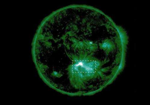 First sightings of solar flare phenomena confirm 3D models of space weather