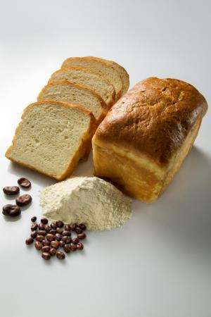 Gluten-free faba bean for bread and pasta