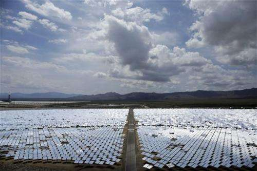 Huge US solar plant lags in early production