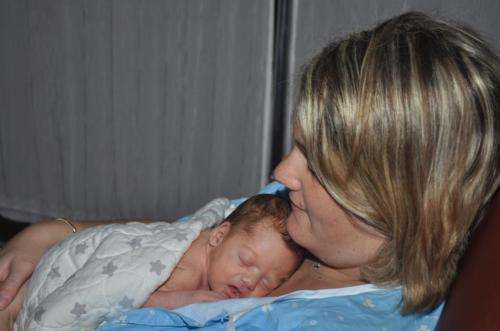 Maternal singing during skin-to-skin contact benefits both preterm infants and their mothers