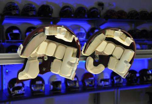 New study finds differences in concussion risk between football helmets