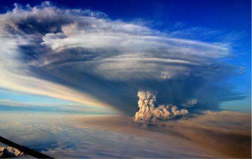 Land bulge clue to aviation threat from volcanoes