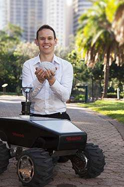 Robot researcher combines nature to nurture 'superhuman' navigation