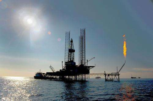 Sea floor conditions mimicked for drilling platforms