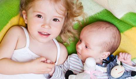 Siblings of children with autism can show signs at 18 months
