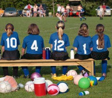 Social media puts body-conscious girls off sport