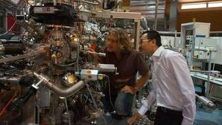 Spin-based electronics: New material successfully tested