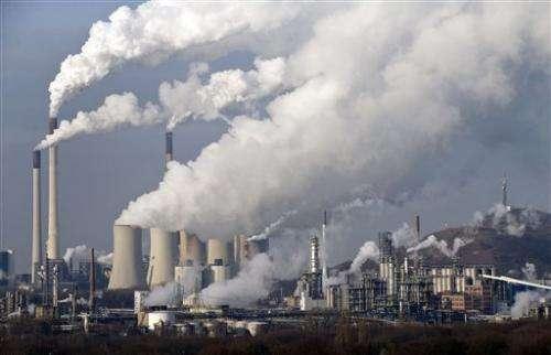 UN panel adopts landmark climate report