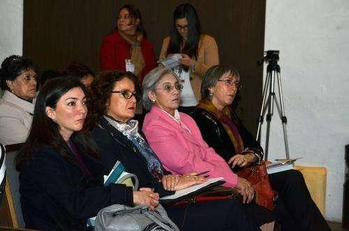 Women confront obstacles to practice science and technology
