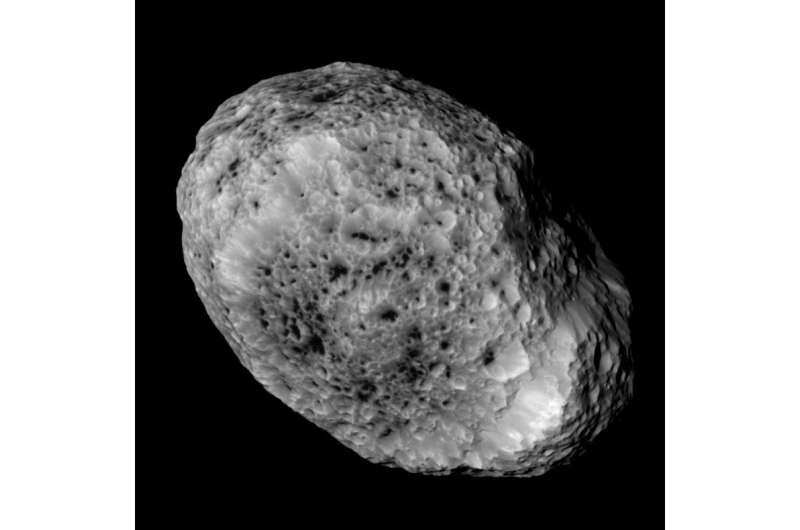 Cassini sends final close views of odd moon Hyperion