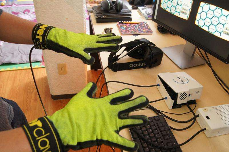 Glove for sensing heat and cold in virtual reality apps