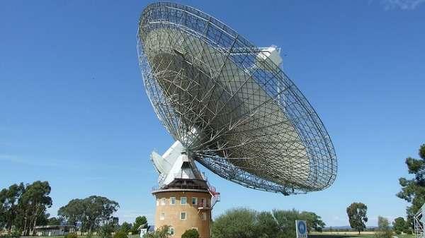 Missing gravitational waves lead to black hole rethink